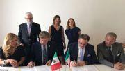 Firma gobernador alianza con vitivinicultores de Italia