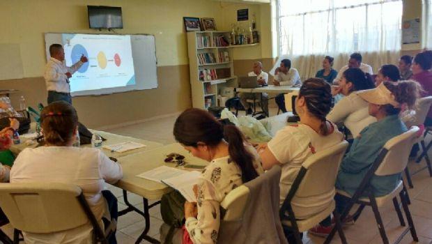 Capacita SSPE a maestros sobre detección temprana de adicciones