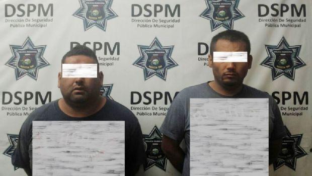 Aseguran a cuatro personas en presunta posesión de vehículo robado