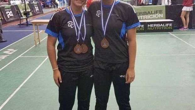 Obtienen medallas Adelina y Yaquelin