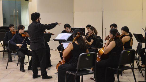 Velada orquestal en Ceart