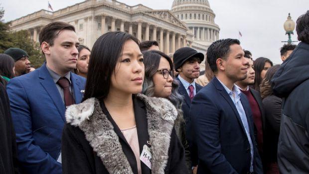 Alcanzan senadores pacto por dreamers