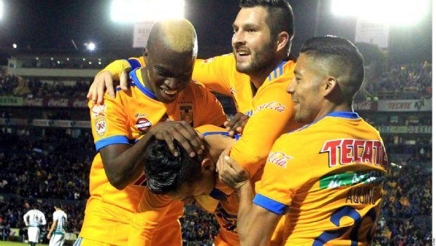 Tigres doblega a Santos en casa