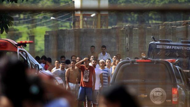 Escapan en Brasil 99 reos tras motín