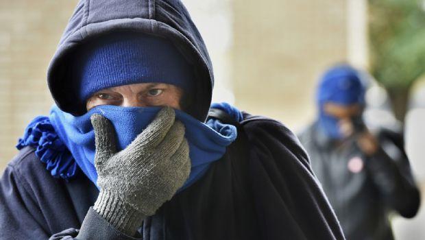 Habilitan albergues por clima frío en EU