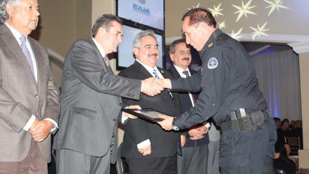 Resalta la SSPE nivel de policías