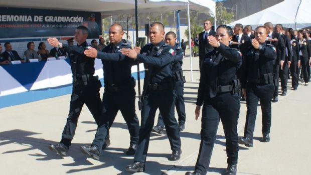 Egresan para Ensenada 130 policías en 4 años