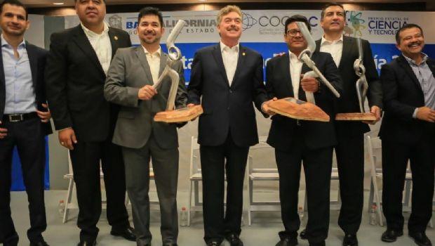 Entregan premios de Ciencia y Tecnología