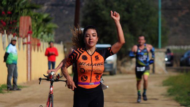 Atrapan Acosta y Rivas triunfos históricos