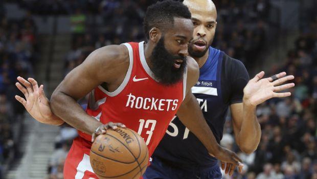 Rockets arrollan a Timberwolves