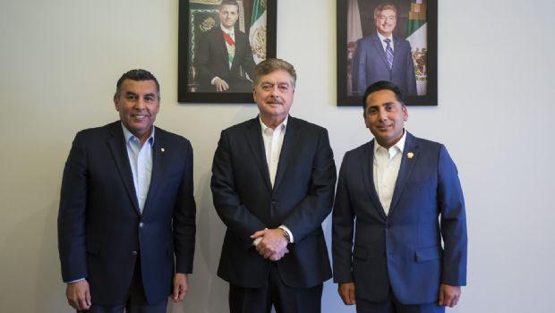 Recibe gobernador Francisco Vega al presidente del Congreso del Estado, Marco Antonio Corona Bolaños Cacho