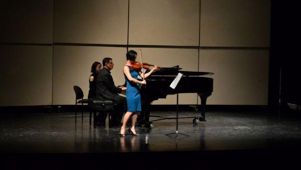 Deleitan con violín y piano