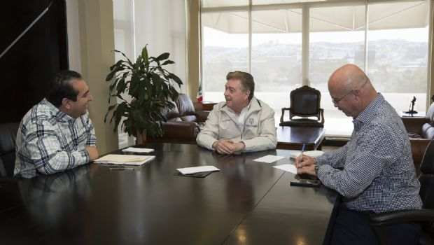 Revisan gobernador Francisco Vega y Director de CONAGUA en B. C., Alejandro Cervantes, temas de Infraestructura Hidráulica