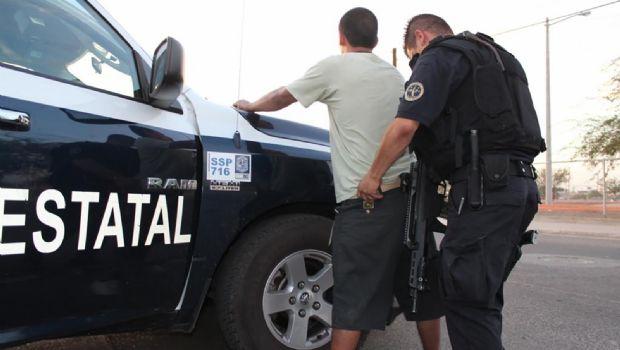 Detienen a dos con droga en Maneadero