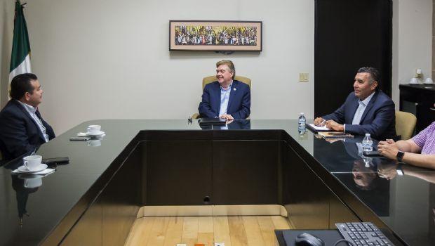 Dialoga gobernador Francisco Vega con el Delegado del INM en B. C:, Édgar Antonio González Rubio