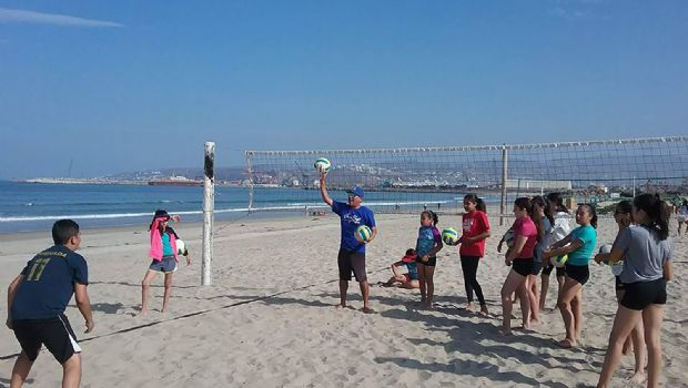 Todos listo para Clínica de Voleibol de Playa