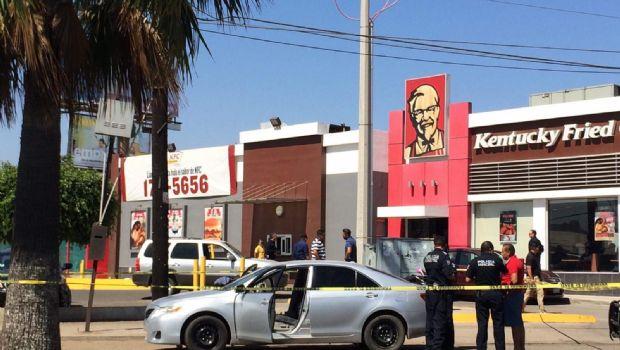 Reportan robo con violencia en avenida Juárez