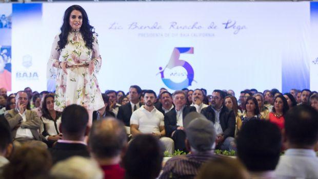 Resalta señora Brenda Ruacho fortalecimiento de valores