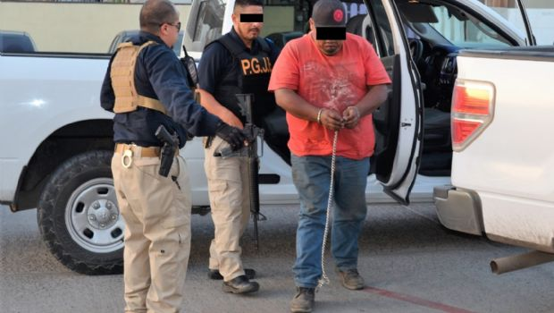 Arresta PME a sujetos por asesinato de hombre