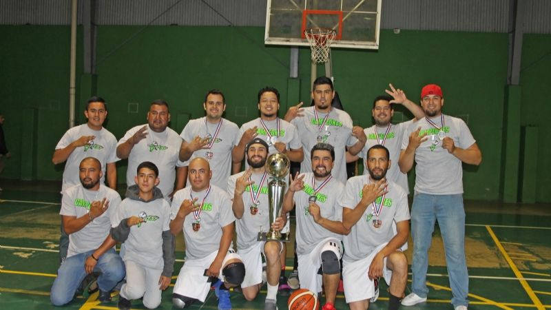 Carmona Body Shop es tricampeón